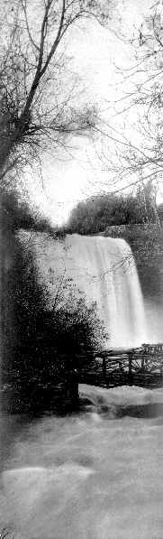 waterfall.jpg (15900 bytes)